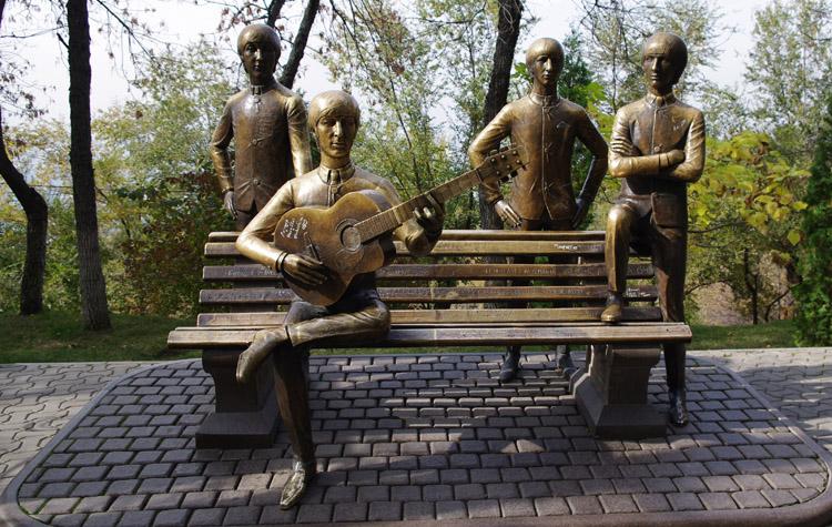 Памятник Beatles
