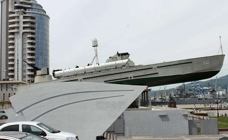 Памятник морякам-черноморцам