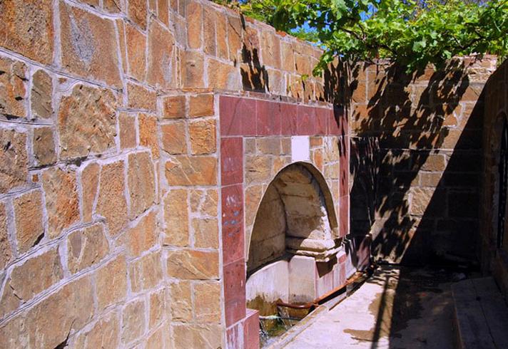 Турецкий фонтан в Весёлом Судаке