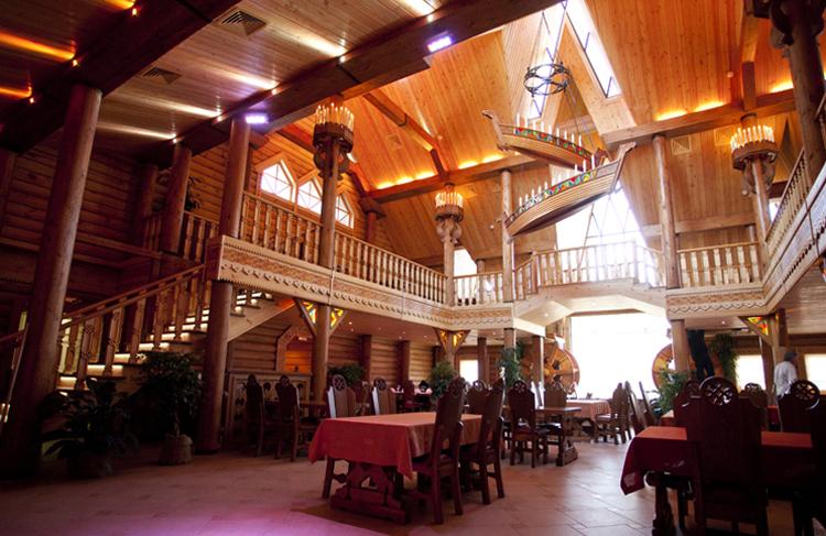 Внутри ресторана «Засека»