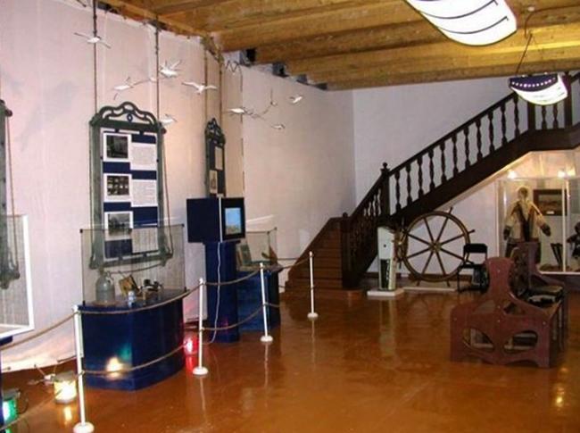 Внутри музея освоения акртики