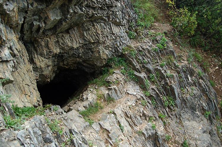 Барсукова пещера