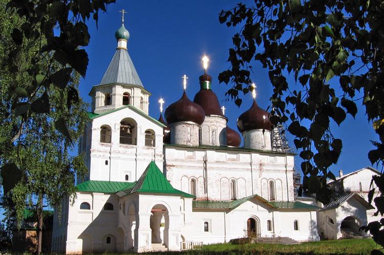 Свято-Троицкий собор и Антониево-Сийский монастырь