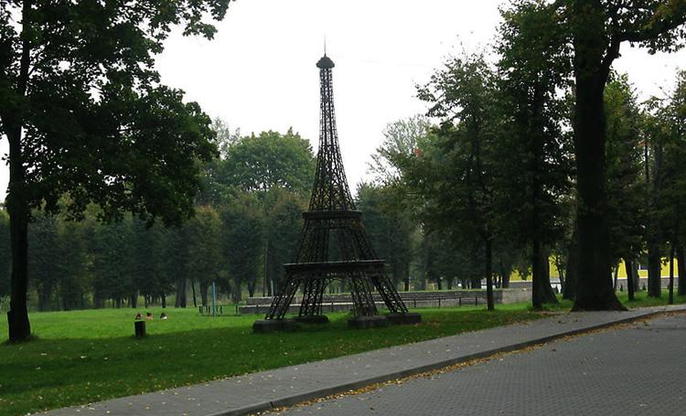 Макет Эйфелевой башни