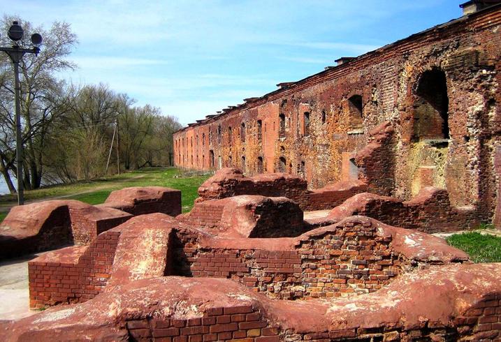 Брестская крепость-герой