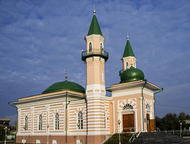 Двухминаретная соборная мечеть