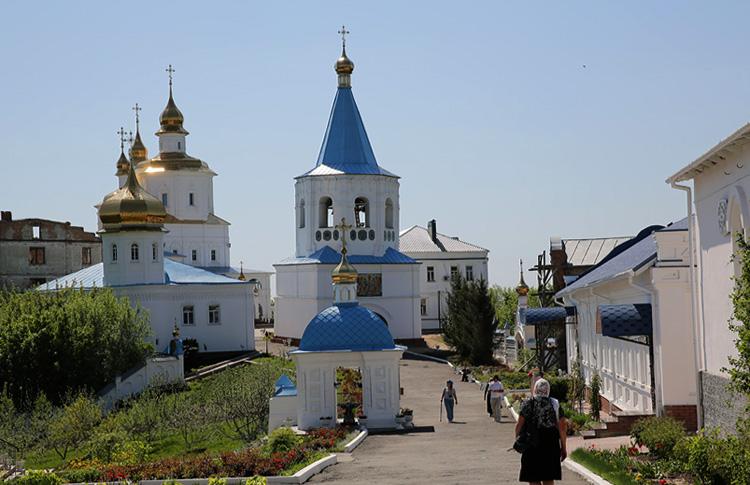 Оборонный монастырь