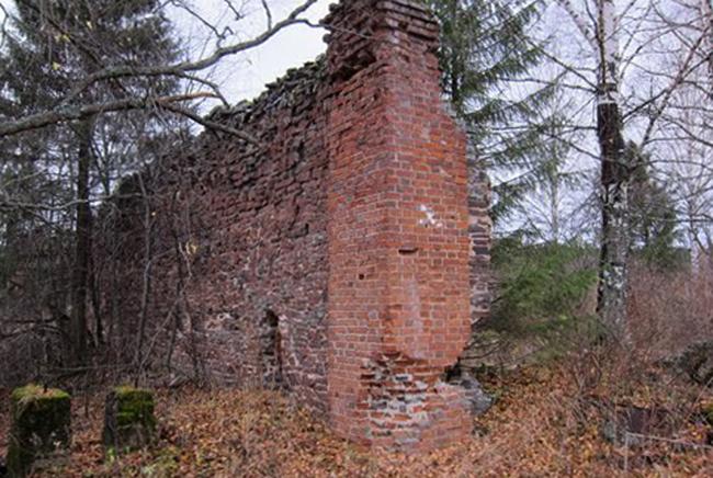 Руины Коноваловского завода