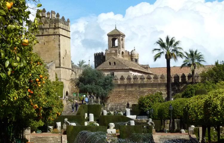 Крепость-дворец Алькасар