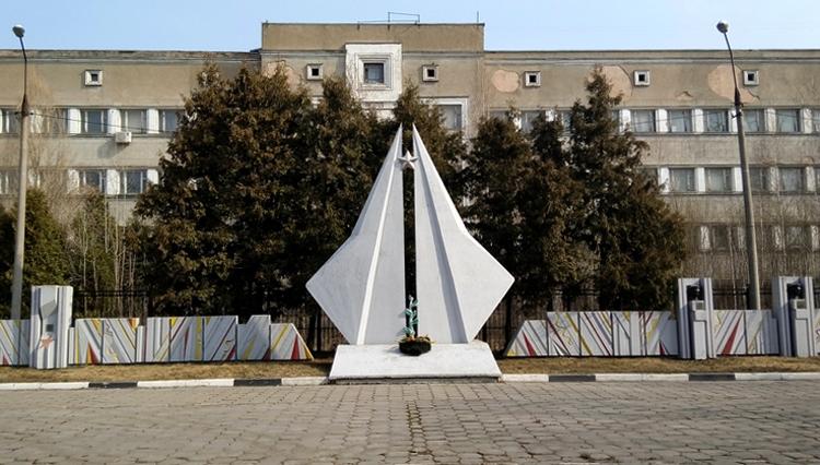 Монумент военным летчикам