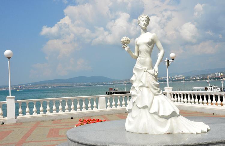Скульптура «Белая невеста»