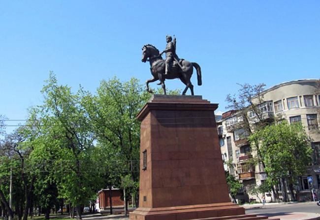 Памятник казаку Харько