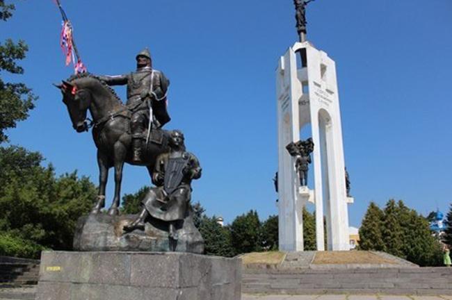 Памятник Александру Пересвету
