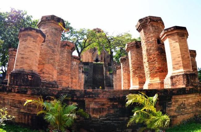 Чамские башни Понагар