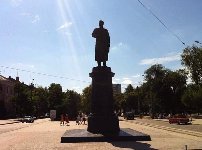 Памятник генералу Токареву