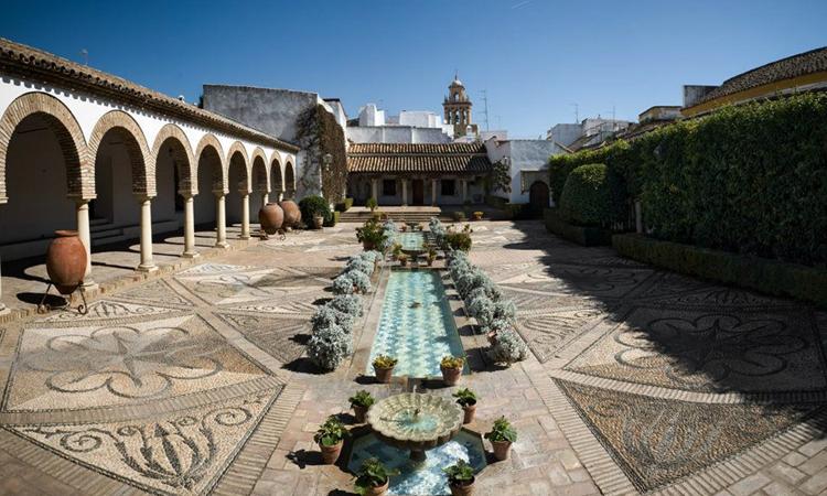 Дворец Паласио де Виана