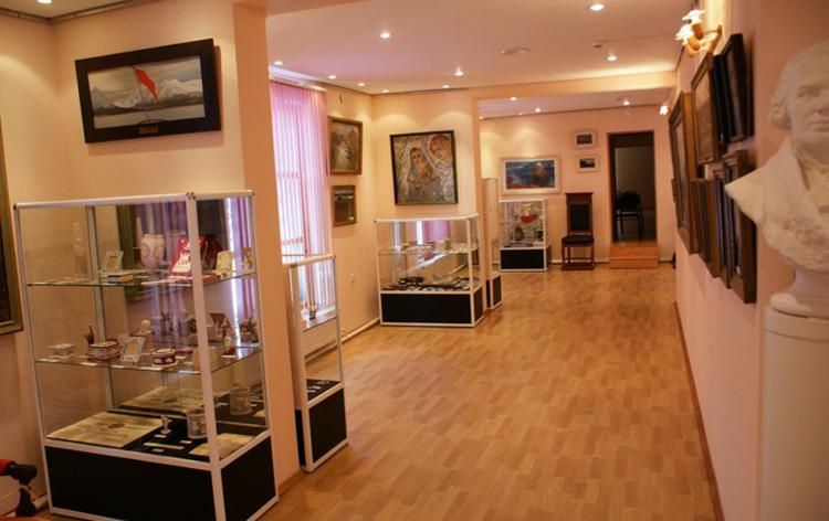 Внутри музея Ломоносова