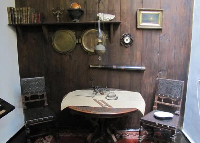 Внутри музея Грина