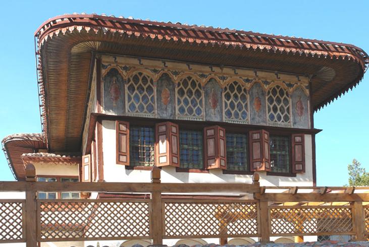 Летняя беседка с Золотым кабинетом в Ханском дворце