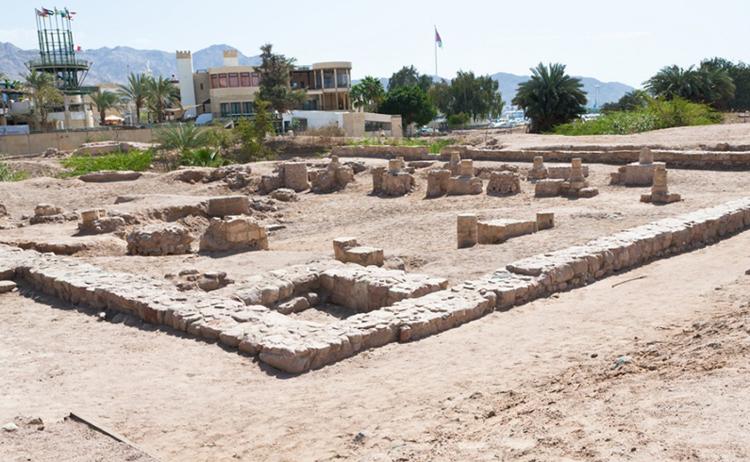 Древний город Айла