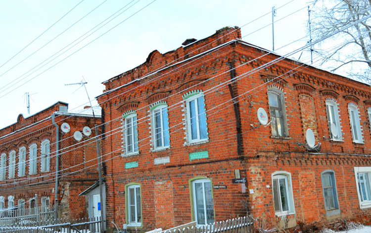 Фабрика Ежиковых