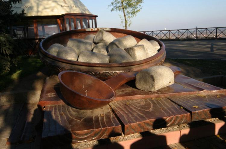 Памятник галушке
