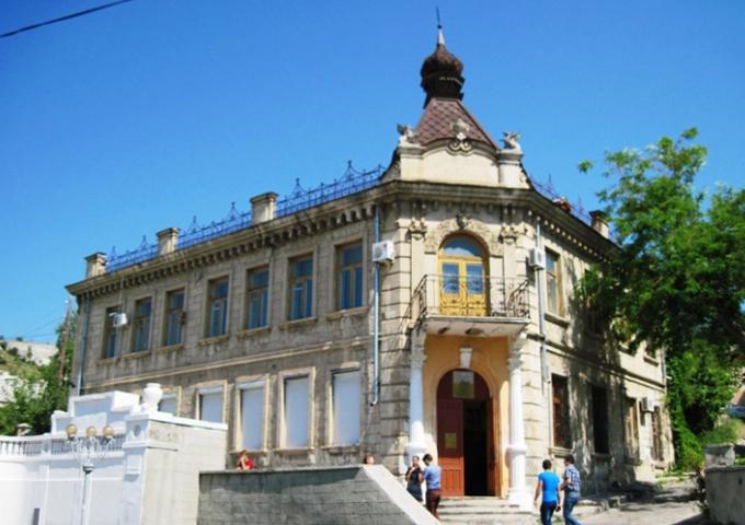 Здание бывшего Дворянского собрания