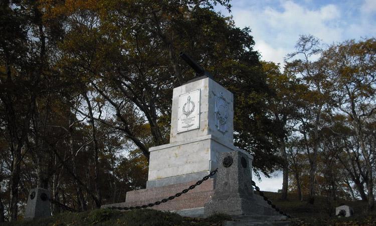 Памятник «Батарея Максутова»