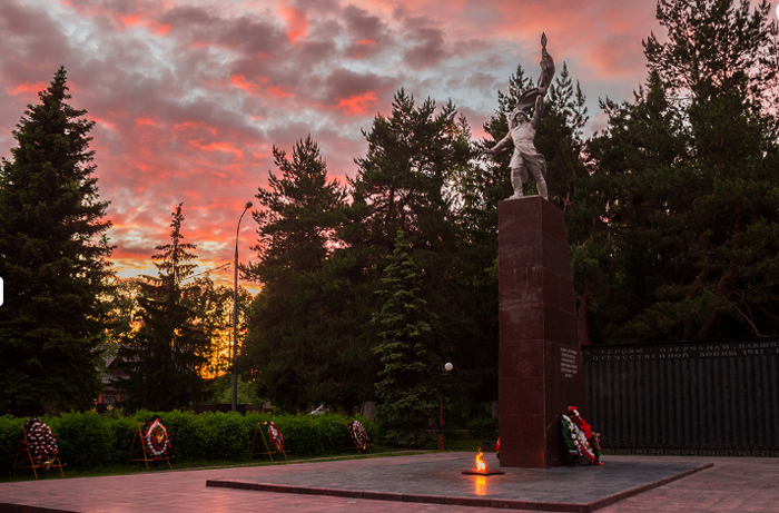 Памятник озерчанам погибшим во время Второй мировой войны