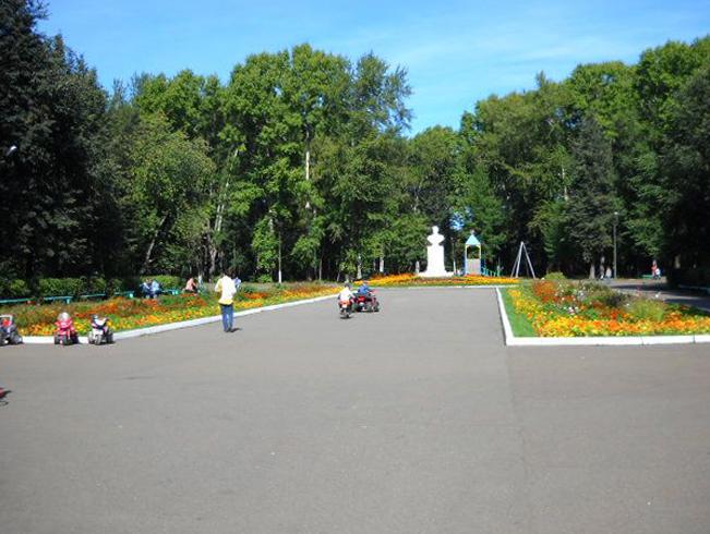 Памятник бутылке водки
