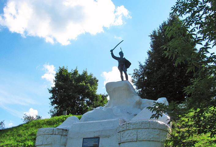 Памятник Дорохову И. С.