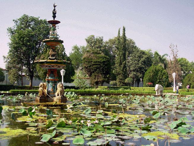 Сад Сахелион-ки-Бари