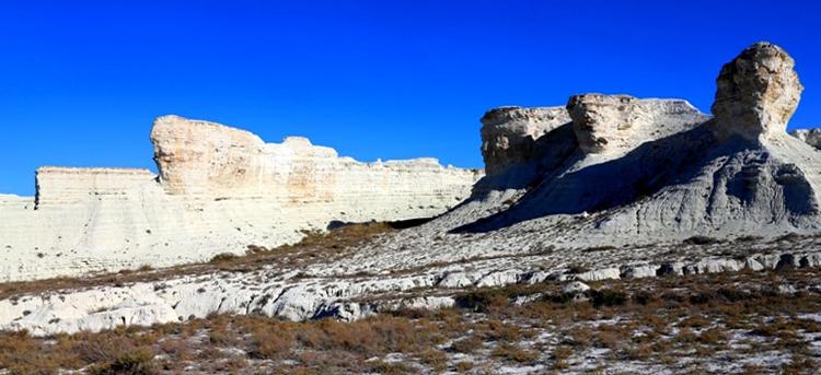 Скалы из меловых отложений горы Аккергешен