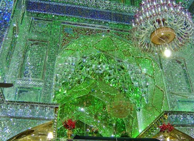 В зеркальной мечети