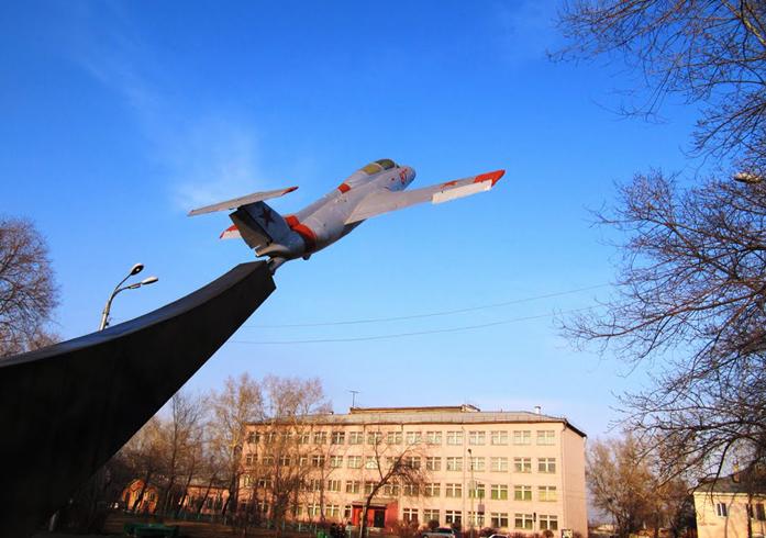 Памятник Лётчикам Бирмской военной авиационной школы