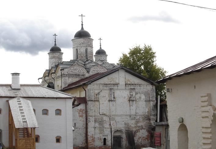 Преображенская надвратная церковь