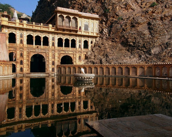 Галтаджи – храмовый комплекс