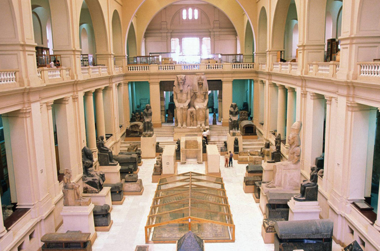 внутри Каирского музея