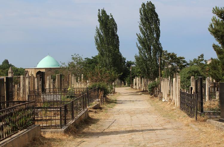Кладбище Кырхляр