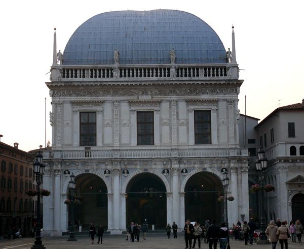 Дворец Лоджия