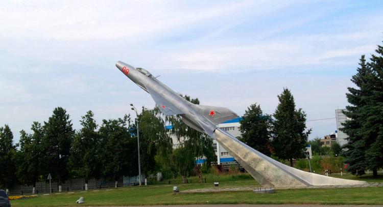 Стела МиГ-21