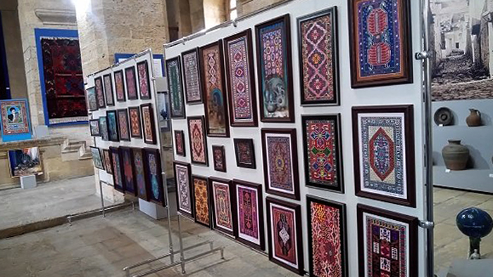Музей ковров и прикладного искусства
