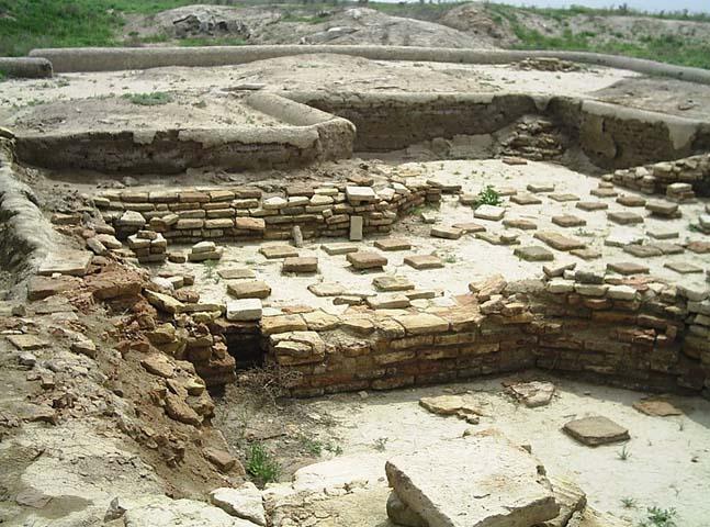 Руины города Отрар