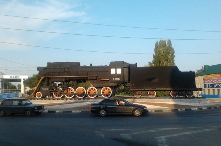 Памятник-паровоз серии «Л»
