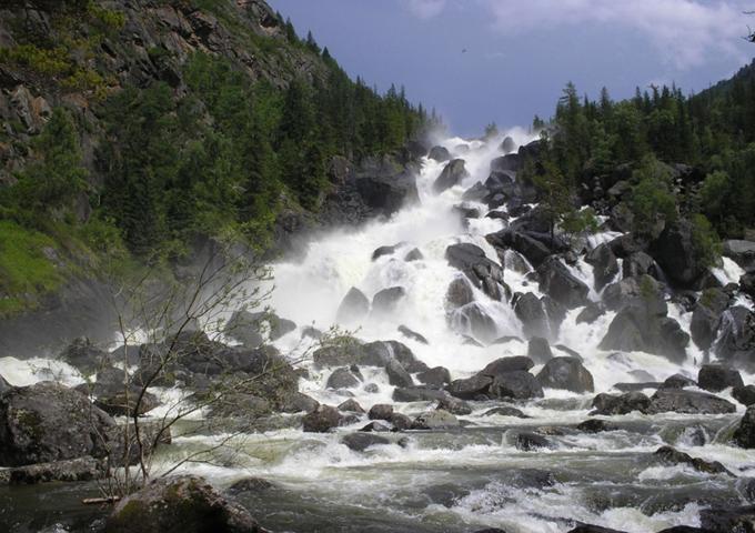 Водопад на реке Чульча