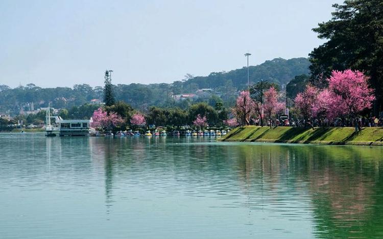Озеро Суан Хыонг