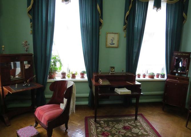 внутри дома Аксакова