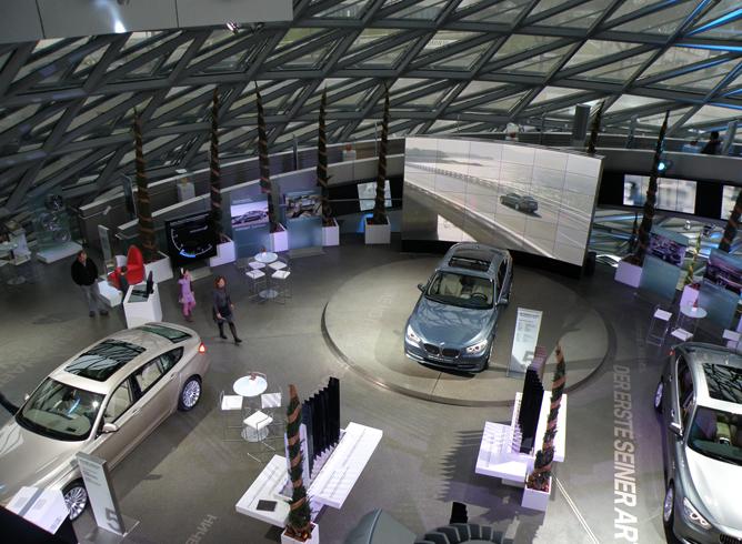 Внутри музея BMW