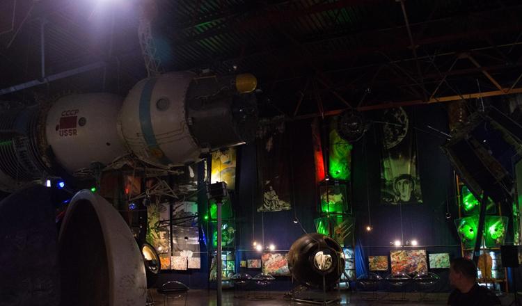 внутри музея космонавтики