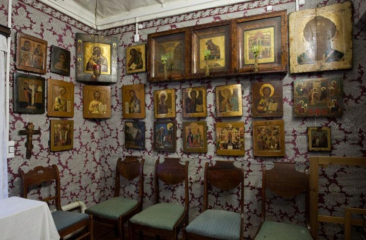 внутри музея Корина